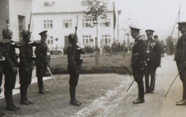 HRANIČÁŘSKÝ PLUK 4 – SYMBOL OBRANY PROTI NACISMU
